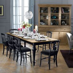 Dining table 12 cutlery Lipstick dark wood La Redoute Interieurs Source by iziva 12 Seater Dining Table, Dining Room Chairs, Estilo Dandy, Grande Table A Manger, House Of Beauty, Loft Design, Dining Room Design, Contemporary Decor, Sweet Home