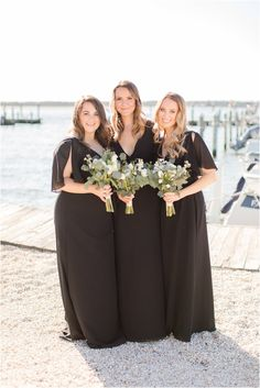 bridesmaids in black dresses hold bouquets with white flowers and eucalyptus leaves. Dreaming of a classic yacht club wedding? Find inspiration here for your romantic waterfront wedding! Photography by Idalia Photography. #IdaliaPhotography #MantolokingYachtClubWedding #WaterfrontWedding Relaxed Wedding, Timeless Wedding, Ramona Keveza, Wedding Bands, Our Wedding, Bridesmaid Getting Ready, Waterfront Wedding, Church Ceremony, Eucalyptus Leaves