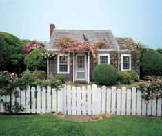 cute nantucket island cottage