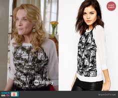 Kathryn's black and white printed top with sheer sleeves on Switched at Birth.  Outfit Details: http://wornontv.net/46719/ #SwitchedatBirth