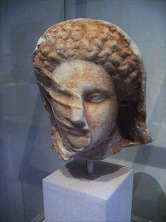 Greek Woman - A mysterious veiled woman (Marble, IV sec. B.C.) - The Metropolitan Museum of Art, New York
