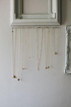 emily-schuman-necklace-organization