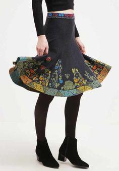 Ivko knitted skirt print