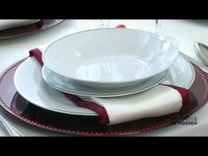 Are you hosting for the #holidays this year? Watch this video for ideas on how to set up a beautiful holiday meal. And for more ideas, visit: http://www.bedbathandbeyond.com/Redirect_HolidayHelpbook.asp