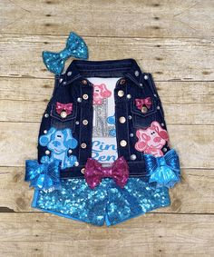 Birthday Party Hats, Pig Birthday, Birthday Shirts, Elsa Birthday, Peppa Pig Outfit, Bounce House Parties, Boy Blue, Blue Dog, Blues Clues