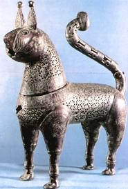 Islamic incense burner in the form of a cat, bronze, 11th or 12th century