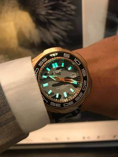 Cool Watches, Omega Watch, Bronze, Accessories, Collection, Sport Watches, Sports