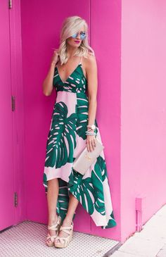 to see the perfect palm print dress for your next vacation, head to http://themilleraffect.com/palm-print-dress/