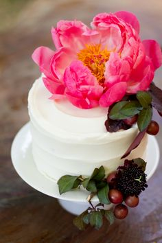 Beautiful wedding cake. Kate Osborne Photography