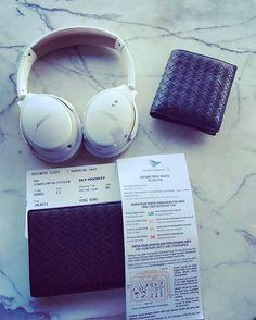 Welcome to Garuda Indonesia International Lounge Soekarno Hatta International Airport Terminal 2  Tangerang, Banten The Boarding Pass...😊😊😍😘✈️✈️ #jakarta #indonesia #soekarnohattaairport #airport #design #interiordesign #traveller #holiday #vacation #instatravel #travelgram #tourist #instaaviation #aviation #avgeek #garudaindonesia #ga860 #hongkong #5starairline #skyteam #businessclass #businessclasslounge #skypriority #boardingpass #luxury #luxurybrand #bottegaveneta #bose #soundlink…