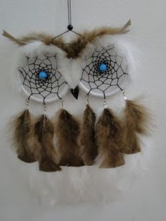 DIY Project Ideas & Tutorials: How to Make a Dream Catcher of Your Own 2017 Handmade Crafts, Diy And Crafts, Arts And Crafts, Los Dreamcatchers, Dream Catcher Craft, Dream Catchers, Creation Deco, Ideias Diy, Owl Crafts