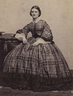 plaids and hoop skirts were very popular during the Civil War