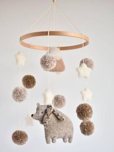 Ideas Italian Designer Sterling Silver Jewelry Jewelry, is the art of ornamental adornment of the bo Baby Boy Rooms, Baby Cribs, Baby Decor, Nursery Decor, Baby Room Ideas Early Years, Baby Room Neutral, Diy Bebe, Baby Room Design, Felt Decorations