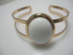 Vintage Avon White Cabochon Bracelet