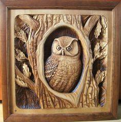 Птицы - сова в дупле резьба по дереву Carved Wood Wall Art, Art Carved, Wooden Art, Dremel Wood Carving, Wood Carving Art, Wood Owls, Wood Bird, Wood Carving Designs, Wood Carving Patterns