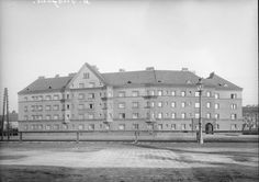 Old photos of Vienna - Page 19 - SkyscraperCity Location, Vienna, Old Photos, Louvre, Middle, History, Building, Trench, Human Settlement