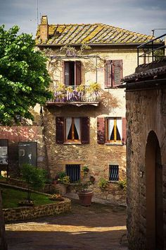 Montichiello, Tuscany - want more of this area in Italy!