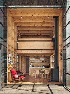 Ken Crosson společně s kolegy Paulem Clarkem a Anna-Marie Chinovou ze studia Crosson Clarke Carnachan Architects navrhli malou, jednoduchou ...