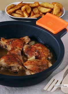 Pollo al horno en salsa de ajo y pimentón