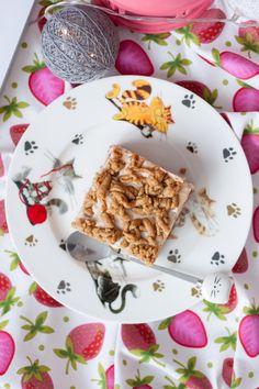 Lekki sernik z truskawkami i pianką bez cukru - Fitkot Waffles, Bread, Breakfast, Ethnic Recipes, Food, Morning Coffee, Brot, Essen, Waffle