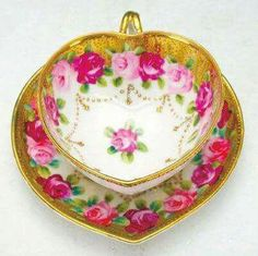 Beautiful Floral Heart-Shaped Tea Cup And Saucer Vintage Tea, Tea Cup Saucer, Tea Cups, China Tea Sets, Teapots And Cups, My Cup Of Tea, Chocolate Pots, High Tea, Afternoon Tea
