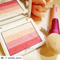 #Repost @sanikki_4unni with @repostapp  #blushcrazy #blushgasm #makeupcrazy #makeupaddict #makeupcollection #makeupjunkie #beautycommunity #makeupmafia #makeupmess #wakeupandmakeup #luxurybeauty #beautyguru #makeuphoarder #facepaint #beautyjunkie #makeupenthusiast #makeupporn #pictureoftheday #highendmakeup #kyliejenner