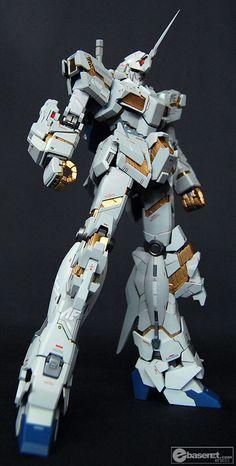 MG 1/100 RX-0 Gundam Unicorn   Modeled by Ebasenet      CLICK HERE TO VIEW FULL POST...