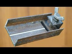 NEW! Welding Angle Clamp - YouTube Metal Working Tools, Metal Tools, Welding Jobs, Welding Projects, Homemade Tools, Diy Tools, Life Hacks Youtube, Wood Pallet Recycling, Window Grill Design
