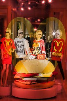 I dont speak italian but i do speak Moschino! so good! Moschino-windows-Hamburger - S.Andrea - 20 febbraio 2014