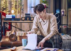 """[Drama] Ji Chang Wook shows his studious side in new behind-scenes from """"Suspicious Partner"""" Suspicious Partner Kdrama, Ji Chang Wook Photoshoot, Korean Boys Ulzzang, Ulzzang Boy, Police Detective, Jang Hyuk, Asian Celebrities, Celebs, Love Me Forever"""