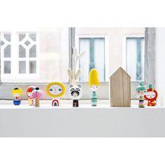 On Linnés wishlist ☀️ Om två veckor ska jag till Borås och finaste lilla leksaksaffären @kurragomma. Jag hoppas att Mr Sun och hans vänner har hunnit komma in innan dess! ____________________________ @kurragomma | #kurragömmaiborås #mrsun #kids #wishlist #toys #woodentoys #leksaker #details