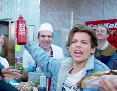 "When Louis was like ""LOOK AT THE CHILI SAUCE!!!"""