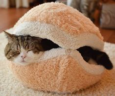 Delancy shared this! Super fun little bed that your cats will just love! Modovo Hamburger Design Washable Cat House. So cute!!