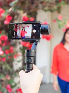 Fly-X3: The Handy Motorized Phone Stabilizer.