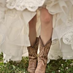 A rustic Texas wedding inspiration board with lots of boots and barns. (image via Woodlands Bride)