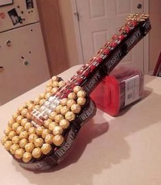 DIY Candy Guitar gift