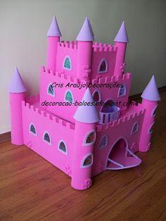 Arte com balões e EVA: Setembro 2010 Cardboard Box Crafts, Cardboard Castle, Foam Crafts, Diy Crafts, Projects For Kids, Diy For Kids, Crafts For Kids, Castle Crafts, Toilet Roll Craft