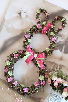 1 million+ Stunning Free Images to Use Anywhere Diy Spring Wreath, Diy Wreath, Easter Egg Designs, Diy Ostern, Vintage Easter, Easter Wreaths, Easter Crafts, Flower Arrangements, Diy And Crafts