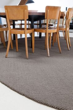 Calicut grey and round = classy Classy, Rugs, Grey, Home Decor, Farmhouse Rugs, Gray, Decoration Home, Chic, Room Decor