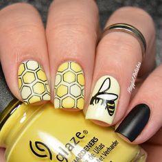 Wasp Nail Art