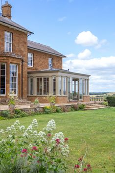 Conservatory Dining Room, Conservatory Design, Orangery Conservatory, Modern Exterior House Designs, Exterior Design, House With Porch, House Front, Rochester Homes, Orangery Extension