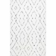 Bestow a dazzling and a bewitching appearance to the floors with this nuLOOM Beaulah Shaggy White Area Rug. Hand Tufted in China. In China, Affordable Rugs, Polyester Rugs, Area Rug Sizes, Hand Tufted Rugs, Modern Area Rugs, Cow Hide Rug, Rug Material, White Area Rug