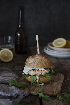 Hamburguesa de Salmón Fresco {receta fácil} | Fresh Salmon Burguer | Sabores y Momentos http://saboresymomentos.es