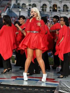'The Voice' Season 8 Runner-Up Meghan Linsey Releases 'Believer' EP; Will Serve As Santa Train Celebrity Guest - http://imkpop.com/the-voice-season-8-runner-up-meghan-linsey-releases-believer-ep-will-serve-as-santa-train-celebrity-guest/