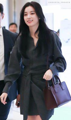"* ᴶᴼᴼᵛᴱᴸᵞ * on Twitter: ""170914 LJ store 오픈행사  #한효주 #hanhyojoo #韓孝周 #ハンヒョジュ… "" Han Hyo Joo, Twitter, Store, Coat, Jackets, Fashion, Down Jackets, Moda, Sewing Coat"