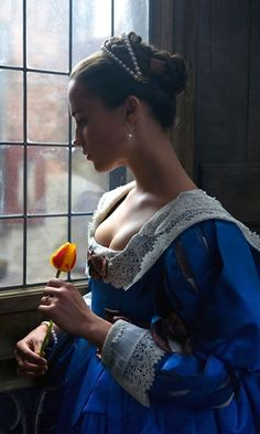 "mademoisellelapiquante: "" Alicia Vikander as Sophia in Tulip Fever - 2017 "" Alicia Vikander, Moda Medieval, Book 15 Anos, Princess Aesthetic, Foto Art, Movie Costumes, Poses, Historical Clothing, Belle Photo"