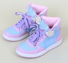 Love Heart Soft Swimmer Sneaker