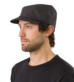 Quanta Cap Contemporary cap with an elastic headband and subtle embroidered Arc'teryx logo.