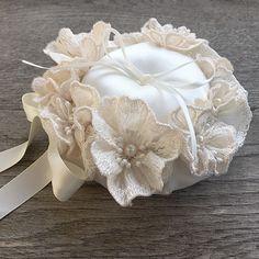 リングピロー〔レースのお花〕手作りキット|たくさんのフラワーモチーフのリングピロー商品画像3|結婚式演出の手作りアイテム専門店B.G.