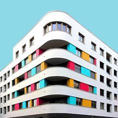 La arquitectura es inspiradora, a lo largo de los últimos años esta ha sido determinante y todo un referente en el mundo del arte. Muchos artistas entre los que podemos encontrar fotógrafos, ilustr…